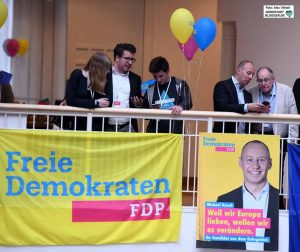 Wenig Feierlaune gab es bei der FDP - Michael Kauch verpasste den Einzug ins EU-Parlament.