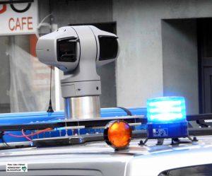 Die Polizei hat gerichtlich untersagt bekommen, dauerhaft ihre Kameras auf Demoteilnehmer*innen zu richten. Foto: Alex Völkel