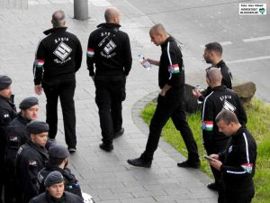 Unter anderem aus Ungarn (Foto), Holland und Bulgarien waren Rechtsetxreme angereist.