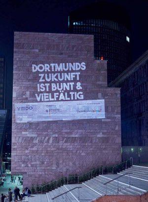 Die MigrantInnen-Organisationen VMDO und NEMO setzten am Freitag optisch Zeichen. Foto: Dirk-Martin Heinzelmann/ Pixelhelper