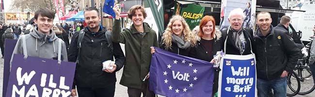 """Volt – jung und paneuropäisch: Ein Besuch beim """"Meet and Greet"""" der neuen Europa-Partei in Dortmund"""
