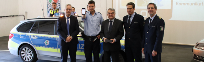 NRW-PolizistInnen bekommen eigenes WhatsApp: Pilotprojekt mit IPhones 8 unter anderem in Dortmund gestartet