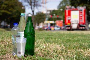 Wohnungslose Menschen sind der Hitze mitunter schutzlos ausgesetzt. Daher rät Bodo, Wasser zu schenken. Foto: Sebastian Sellhorst/bodo