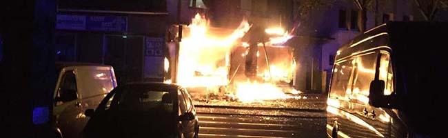 Imbissbrand in der Nordstadt – Feuerwehr mit 39 Einsatzkräften vor Ort – Menschen wurden nicht verletzt