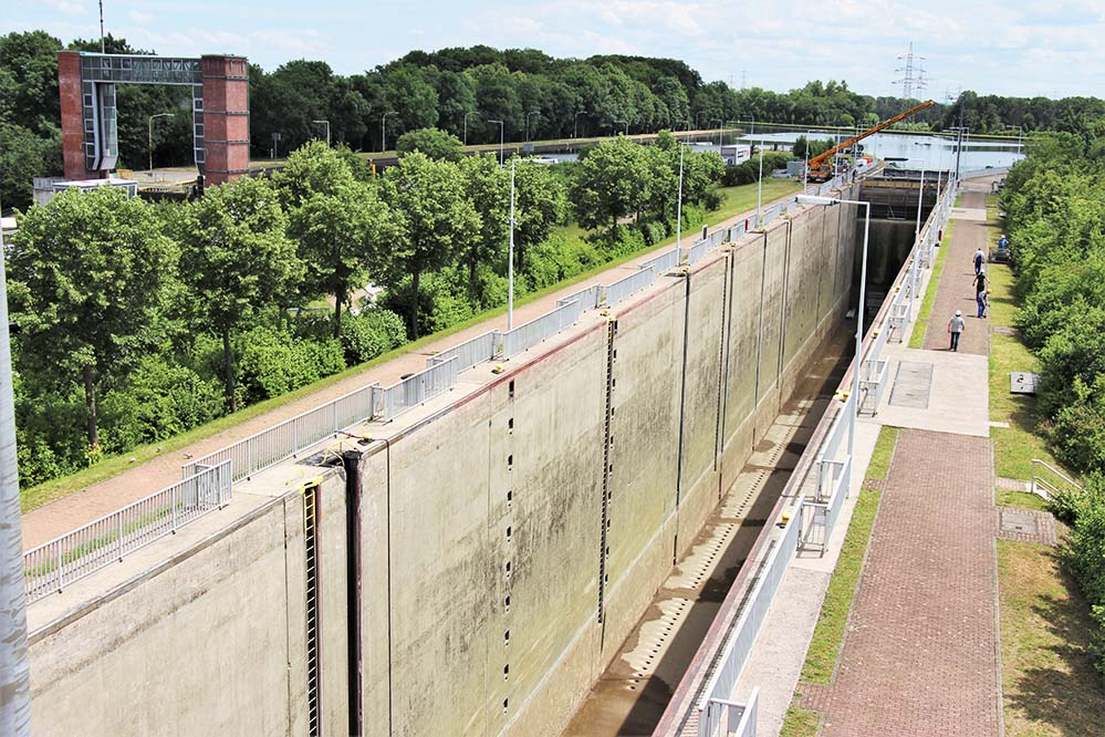Die gegenwärtig für den Schiffsverkehr gesperrte Schleuse Henrichenburg Foto: Dortmunder Hafen AG
