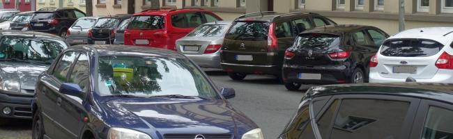Verkehrssituation im Kreuzviertel: der alltägliche Wahnsinn im Kampf um knappen Parkraum – Stadt sieht keine Königslösung