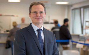 Frank Neukirchen-Füsers ist seit 15 Jahren Geschäftsführer des JobCenters in Dortmund. Foto: Joe Kramer