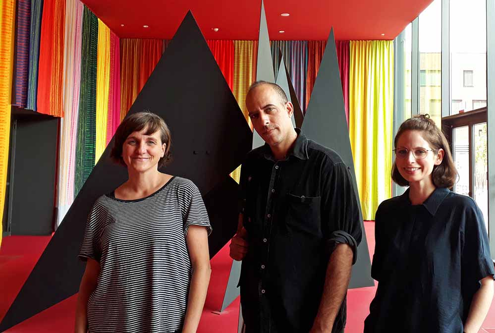 MO-Sammlungsleiterin Dr. Nicole Grothe, Idan Hayosh und MO-Kuratorin Nathalie Calkozan. Foto: Museum Ostwall