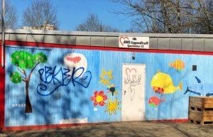 Die ehemaligen Bürocontainer der Bundesgartenschau im Westfalenpark wurden zum Kinder- und Jugendtreff umfunktioniert.