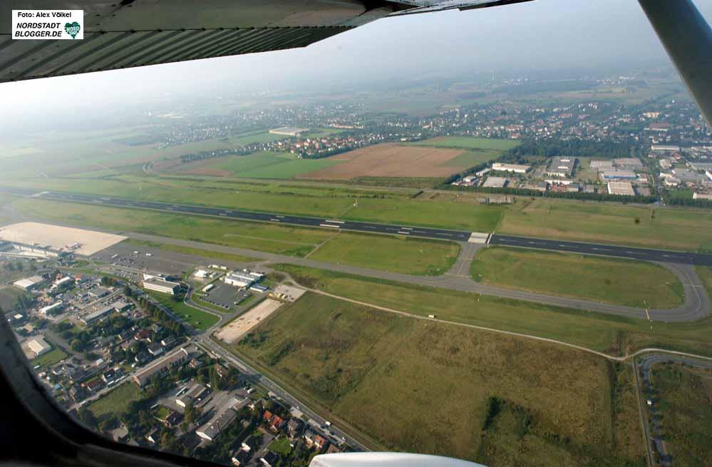 Der Dortmunder Flughafen ist für die Grünen ein unverantwortliches Millionen-Grab. Fotos: Alex Völkel