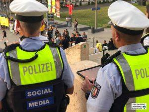 Die Polizei setzt vermehrt auch Social Media, um auch gegen Falschmeldungen abzuarbeiten.