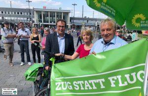 Oliver Krischer, Ingrid Reuter und Mario Krüger fordern ein Umdenken in der Verkehrspolitik. Archivbild: Alex Völkel
