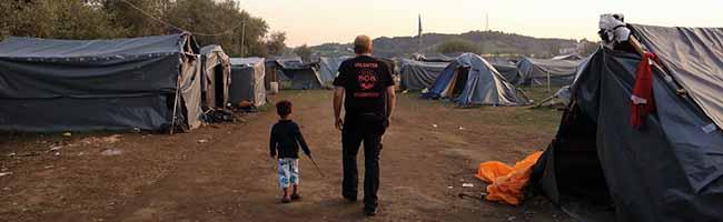 """Studentische Hilfsorganisation """"Grenzenlose Wärme"""" aus Dortmund begibt sich zum 8. Hilfstransport nach Griechenland"""