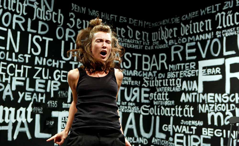 """Ann-Kathrin Hinz probt derzeit für """"Name: Sophie Scholl im KJT. Foto: Birgit Hupfeld/ TheaterDO"""