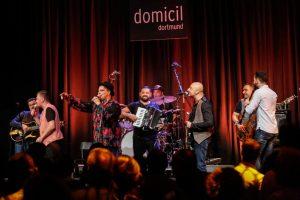 Unzählige Konzerte hat das Domicil gesehen - hier ein Konzert aus dem Roma-Kulturfestival Djelem Djelem. Archivbild: Oliver Schaper