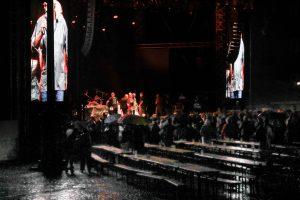 Nach der Pause gegen 22 Uhr sang Wecker nur noch ein weiteres Lied, dann kam das Gewitter.