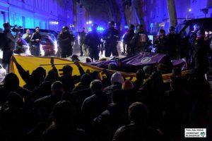 """Friedliche Sitzblockaden wird die Polizei - wenn sie keine """"grobe Störung"""" darstellen - umgehen."""