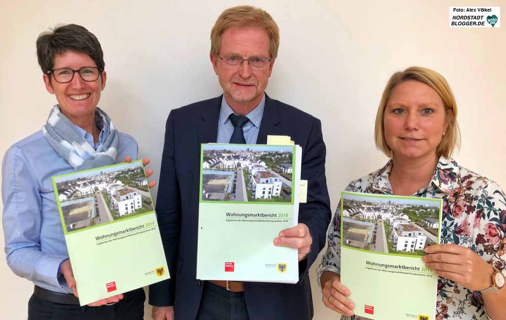 Anja Laubrock, Ludger Wilde, und Julia Meininghaus stellten den Wohnungsmarktbericht 2019 vor. Foto: Alex Völkel