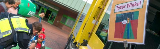 """""""Erlebnistour Verkehrssicherheit und Mobilität"""": über 160 Kinder nahmen am Sicherheitstraining in der Nordstadt teil"""