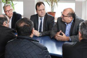 Gregor Lange, Norbert Dahmen und Volkan Baran besuchten am Nachmittag die Moschee.