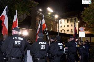 Vor der JVA in Dortmund demonstrierten die Neonazis - zwei von ihnen sitzen dort in U-Haft.