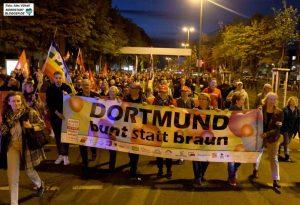 Rund 2000 Menschen sind gegen Rassismus und Antisemitismus auf die Straße gegangen. Fotos: Alex Völkel