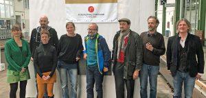 Letzte Vorbereitungen vom Orga-Team des zweiten Fotofestivals in Dortmund. Foto: Joachim vom Brocke