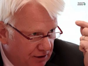Dortmunds OB Ullrich Sierau rechnet vor, welche Lasten den Kommunen aufgebürdet wurden.