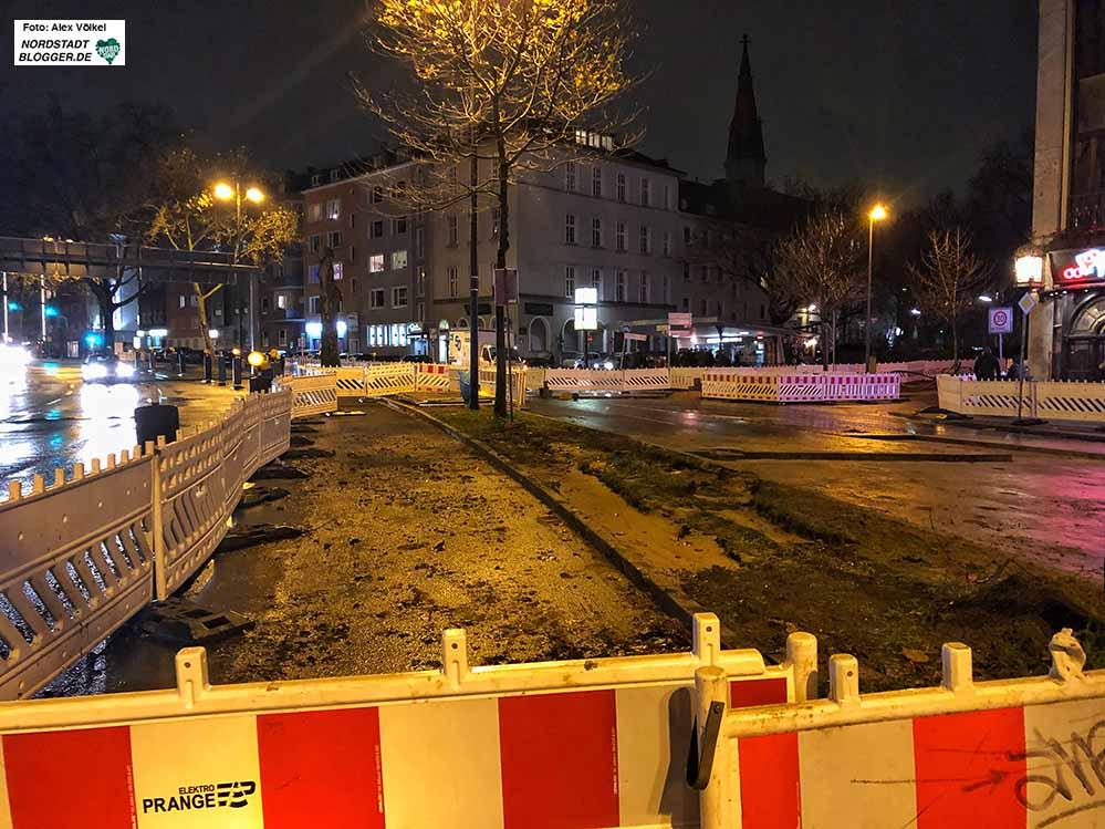 Der Bombenverdachtspunkt an der Ecke Rheinische Straße und Westentor hat sich erhärtet. Foto: Alex Völkel