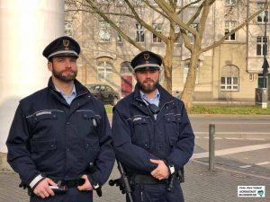 Benedikt Luig und Steven Dean gehören dem Team des Kommunalen Ordnungsdienstes in der Nordstadt. Fotos: Alex Völkel