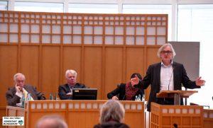 Ulrich Langhorst (Grüne), im Hintergrund Bürgermeister Manfred Sauer, OB Ullrich Sierau und Bürgermeisterin Birgit Jörder.