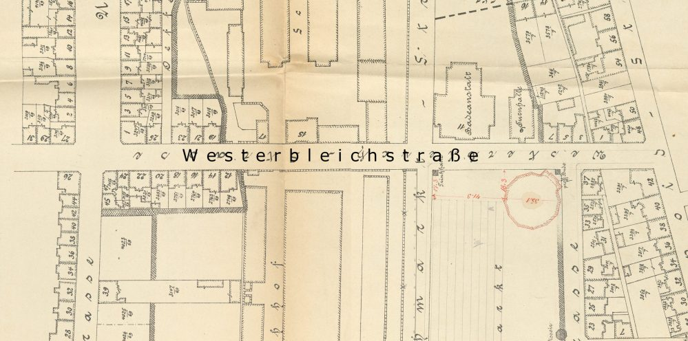 Bebauung der Westerbleichstraße zwischen Kurfürsten- /Uhlandstraße, links, und Leopoldstraße, rechts, 1899 (Stadtarchiv Dortmund, 3-3561)