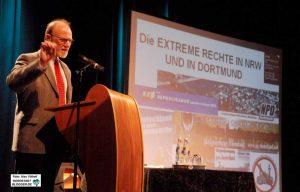 Auf unzähligen Veranstaltungen und Kongressen hat Hartmut Anders-Hoepgen gesprochen - hier auf dem Antifa-Kongress 2008. Archivbild: Alex Völkel