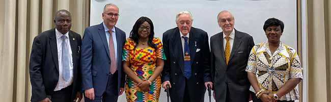 Botschafterin Gina Ama Blay eröffnet das neue Konsulat von Ghana in der Auslandsgesellschaft in der Nordstadt