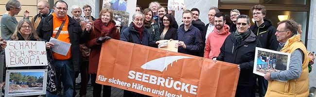 Minderjährige Flüchtlinge nach Deutschland lassen: Seebrücke Dortmund demonstriert gegen Politik des Innenministers