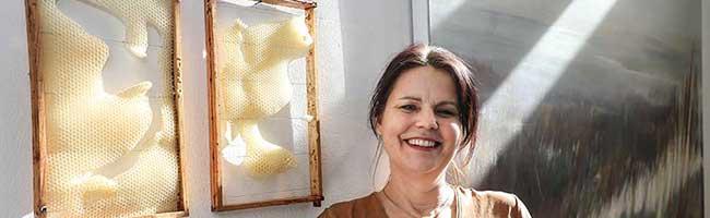 Die Interaktion von Kunst und Natur in der Galerie im Depot: Susanne Beringer macht Bienen zu Künstlerinnen