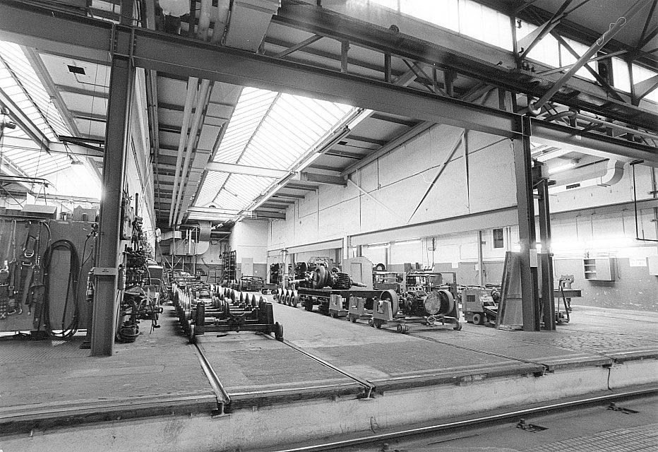 In der Hauptwerkstätte, 1975 (Historischer Verein der Dortmunder Stadtwerke)