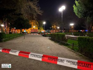 Viele Orte sind gesperrt. Auch der Nordmarkt ist abgeriegelt. Foto: Alex Völkel