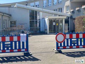 Unerlaubte Besuche in Krankenhäusern und Pflegeheimen werden mit 200 Euro sanktioniert.