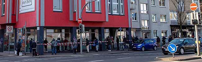 Vor allem Obdachlose leiden unter der Corona-Krise – die Gastro-Initiative Dortmund macht täglich 300 Lunchpakete