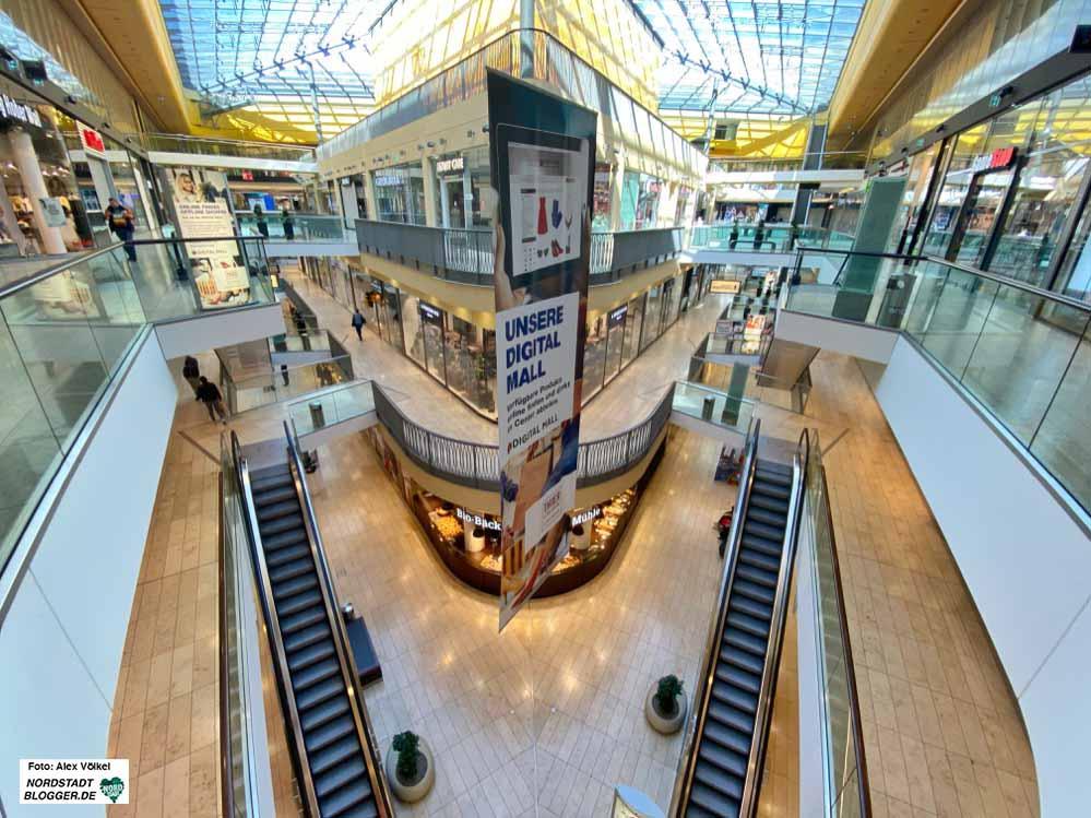 Gähnende Leere in der Thier-Galerie: Viele Geschäfte haben geschlossen. Fotos: Alex Völkel