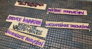 Nachhaltigkeit in Kombination mit sozialen und ökologischen Innovationen könnten eine Lösung sein.