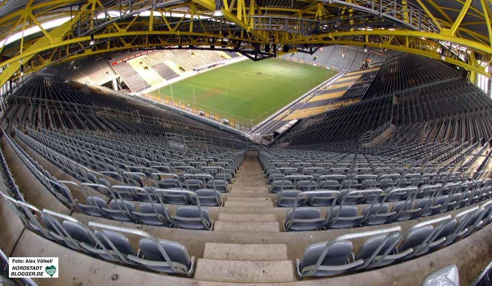 Das Derby im Signal-Iduna-Park soll als Geistersspiel ohne Zuschauer*innen stattfinden. Foto: Alex Völkel