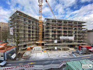 Mitten in der City realisiert der Spar- und Bauverein einen großen Wohn und Geschäftskomplex.