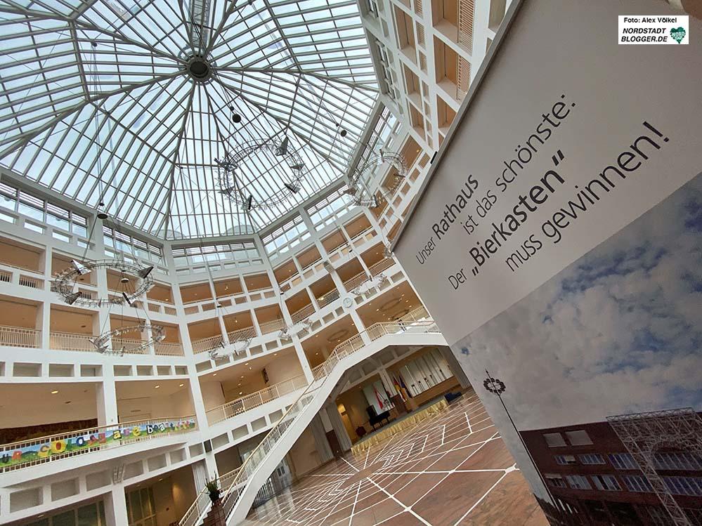 Die Dortmunder*innen können sich beteiligen und für ihr Rathaus abstimmen. Foto: Alex Völkel