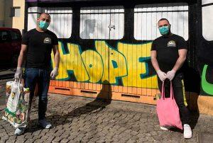 """Viele Menschen haben in der Krise geholfen - so auch die Flüchtlingsinitiative """"Train of Hope"""". Foto: privat"""