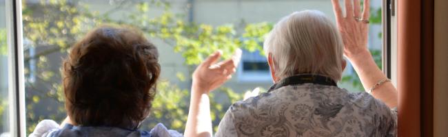 Muttertagsbesuch im Pflegeheim  – Träger machen es in Dortmund mit individuellen Lösungen wieder möglich