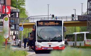 , Linienbus, Stadtbus Bus, Fahrgäste, Haltestelle, DSW21 Foto: Jörg Schimmel/ DSW21