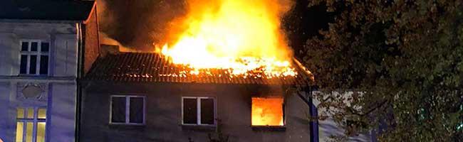 Dachstuhlbrand in der Brunnenstraße und mutmaßliche Brandstiftung in der Nordstraße halten Feuerwehr auf Trab