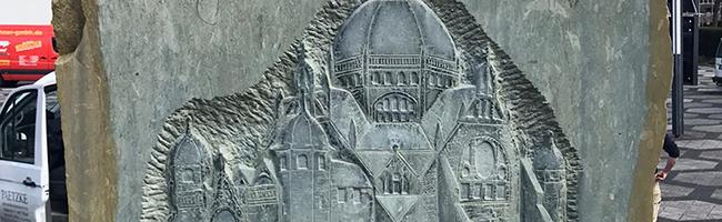 Das künstlerische Mahnmal für die Alte Synagoge in der City von Dortmund wurde gereinigt und restauriert